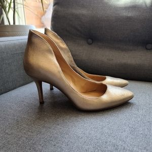 Enzo Angiolini leather gold look heels